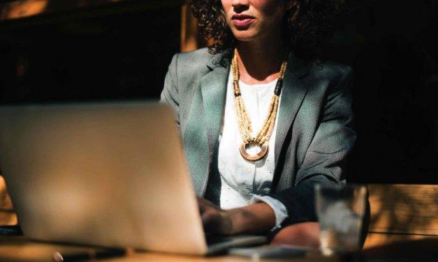 """Encuentro """"Mujeres y Liderazgo: Impulsando la presencia femenina en puestos directivos"""""""