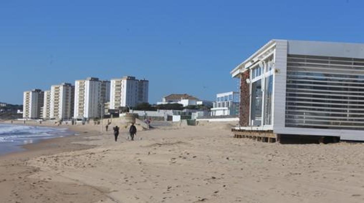 Investigan una supuesta violación a una menor en la playa de El Buzo en El Puerto
