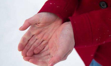 Los cinco tipos de psoriasis más comunes y cómo calmar el picor