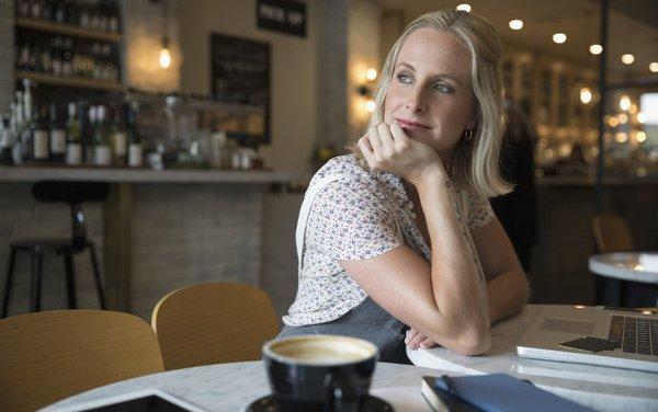 Mamoplastia y embarazo ¿cuánto esperar entre una y otro? El médico aconseja.