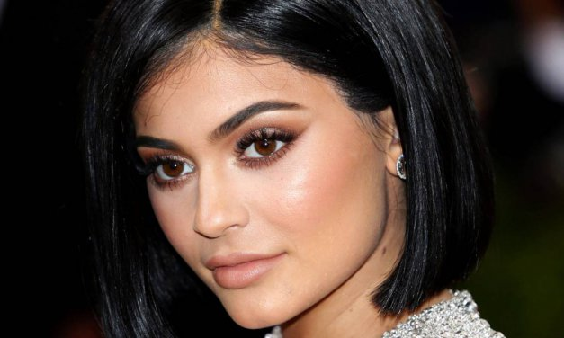 Kylie Jenner recupera sus labios naturales
