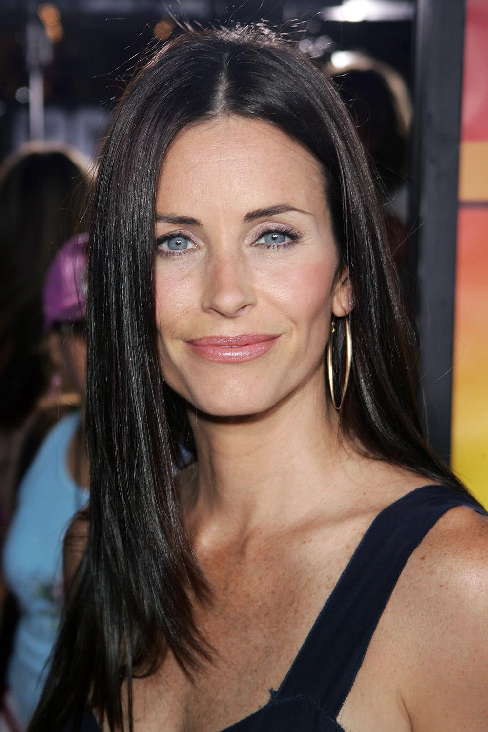 famosas operadas courtney cox. Courtney Cox antes