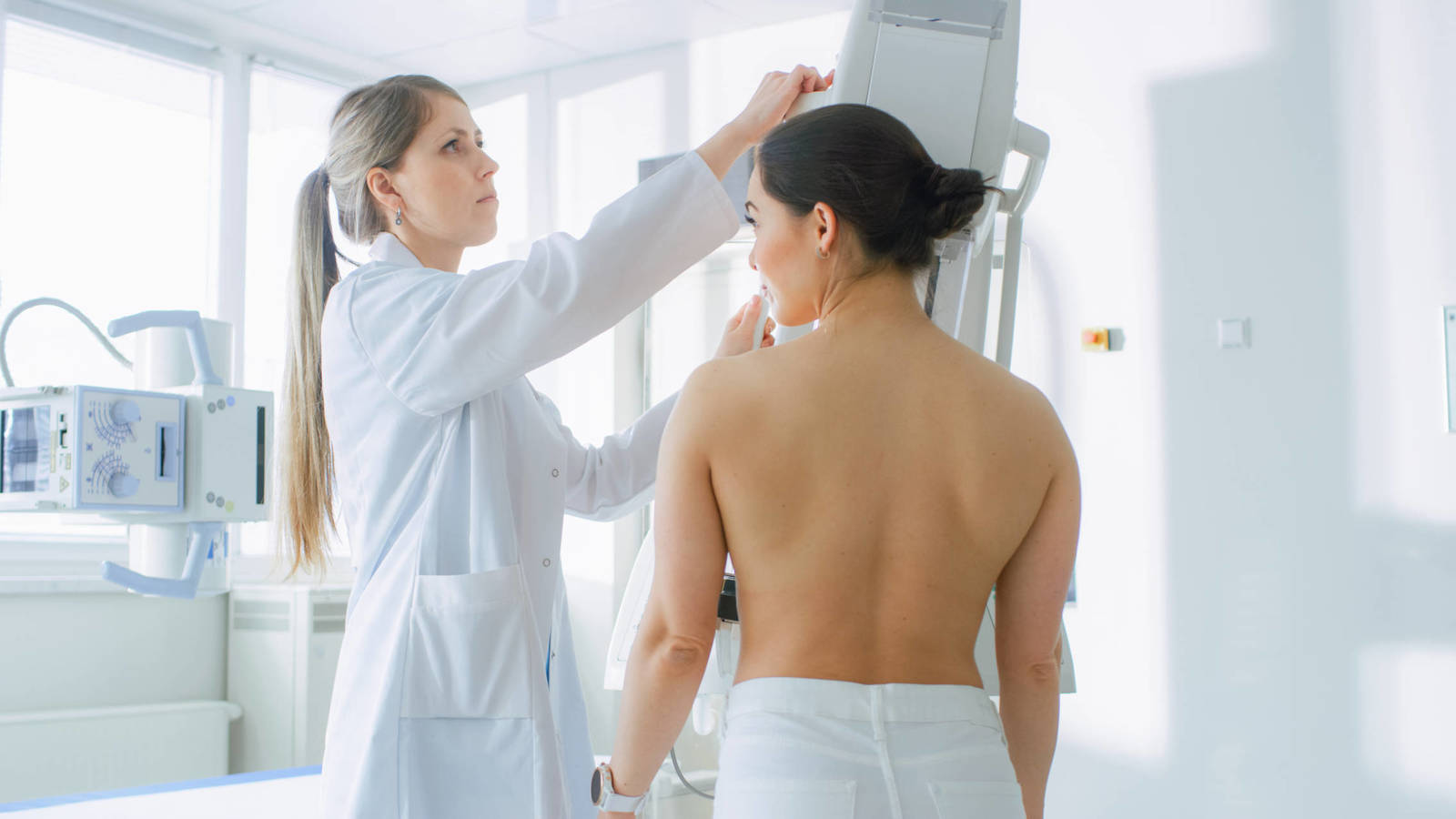Las nuevas reglas con las que se harán las mamografías a mujeres con senos densos